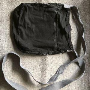 Like New Thirty-One Crossbody Bag